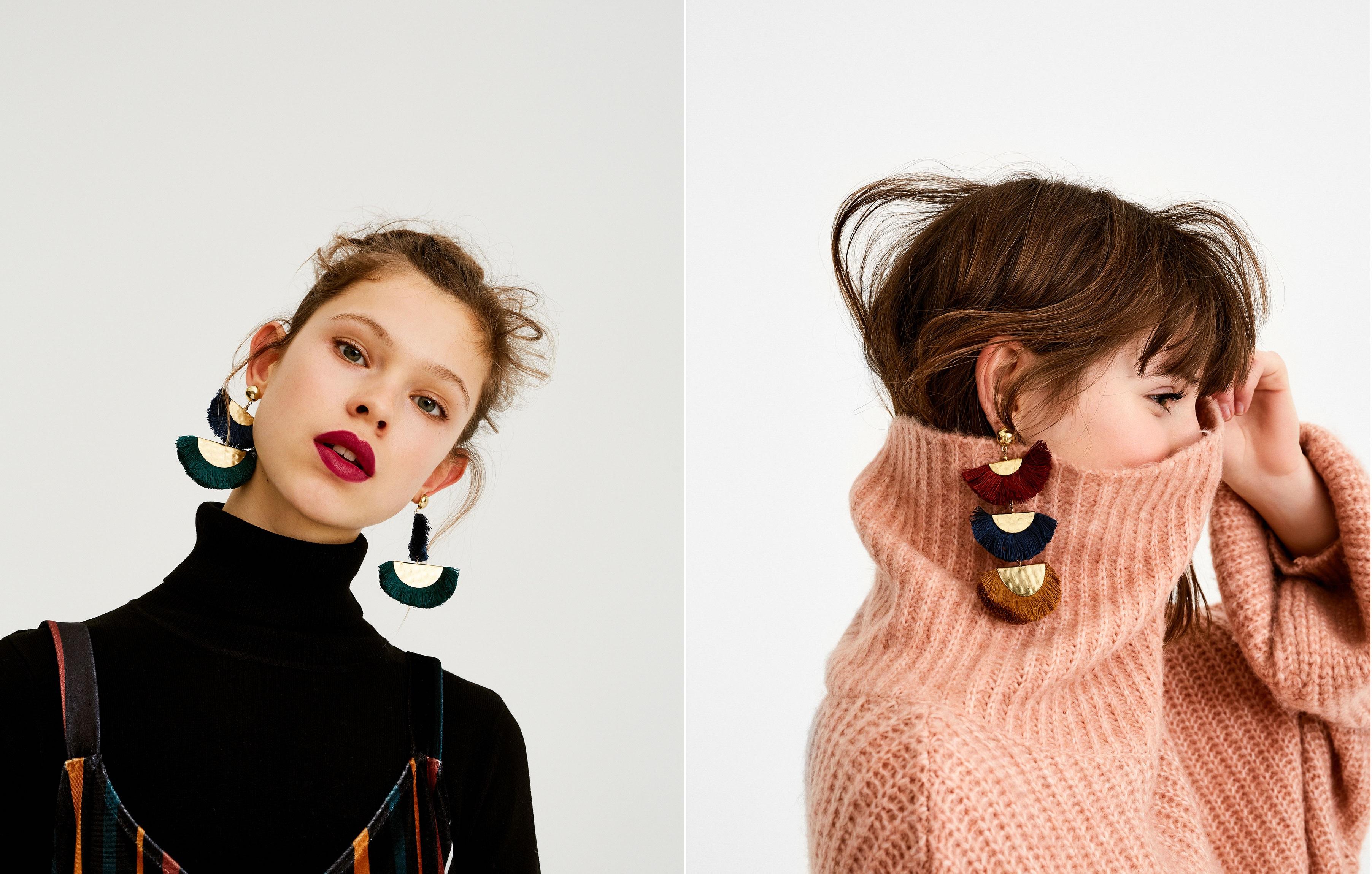 orecchini colorati con nappine